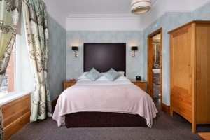 BrooklandsGH_SuperiorRoom-1