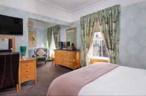 BrooklandsGH_SuperiorRoom-2