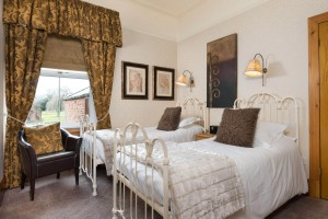 Brooklands_twinroom-1
