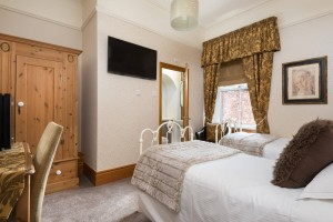 Brooklands_twinroom-2