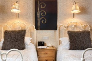 Brooklands_twinroom-3